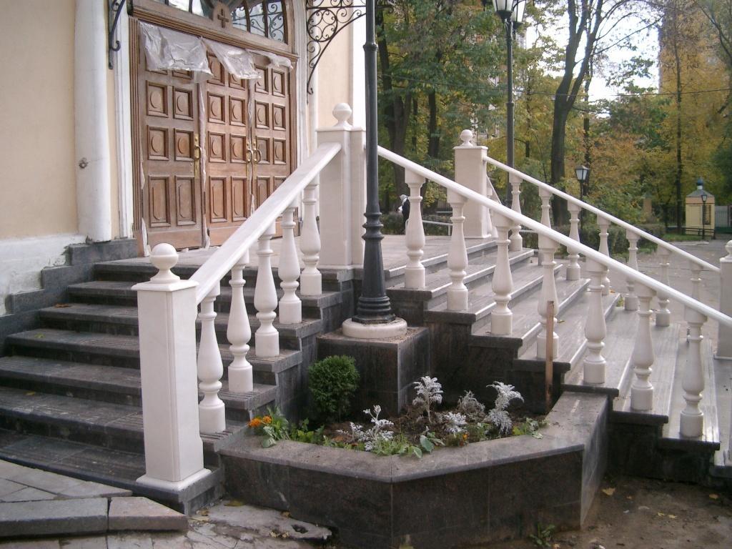 Каменная лестница — солидно и надёжно