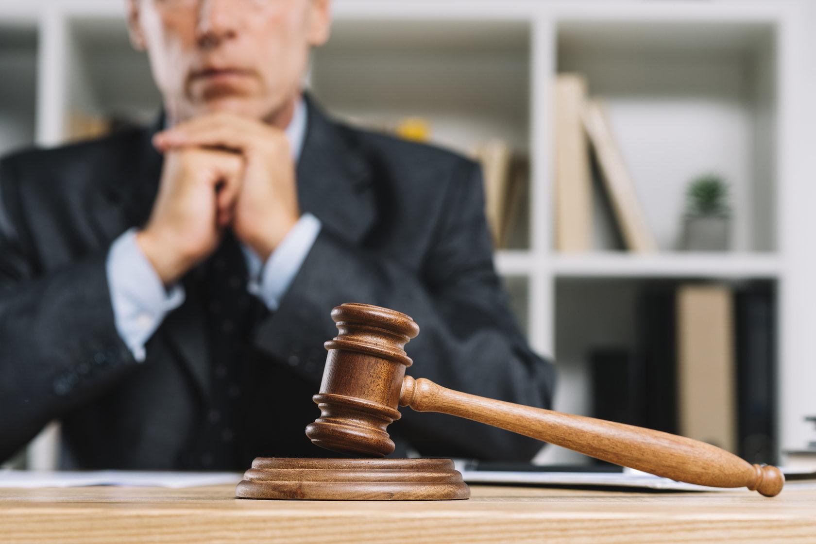 О тактике защиты от уголовного преследования
